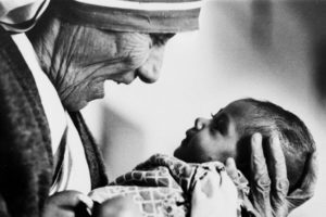 mother-theresa-with-baby