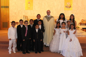 Spanish First Communion Group Photo 050513